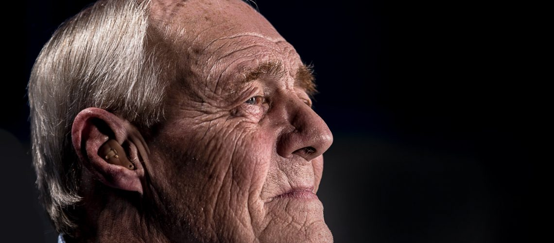 SeniorManAloneMasonUnsplash